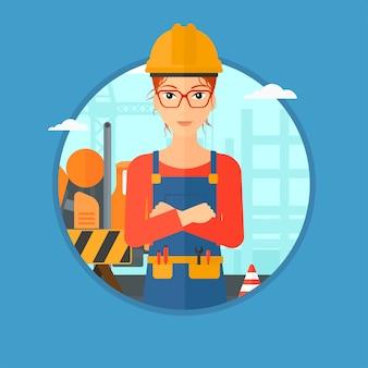 Constructor de confianza con los brazos cruzados.