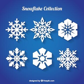 Copos de nieve planos con diferentes diseños