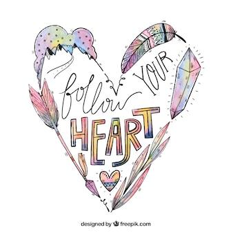 Corazón dibujado a mano con elementos boho y mensaje