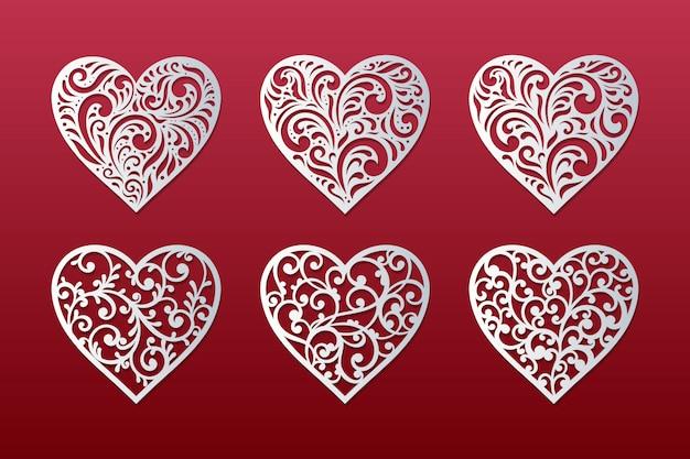 Corazones cortados con láser con diseño de corazones florales de encaje