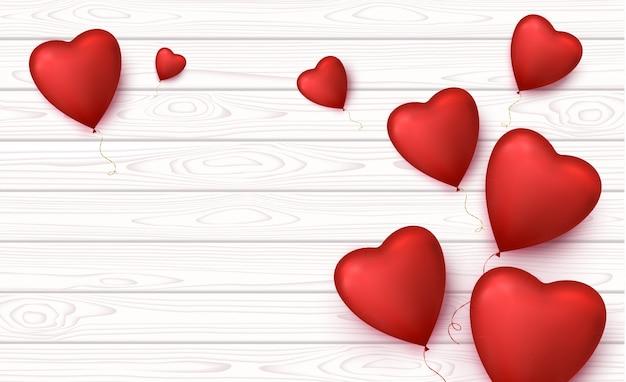 Corazones con globos en forma de corazón.