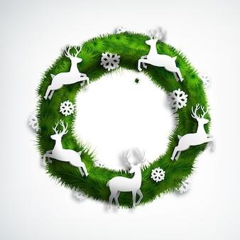 Corona de navidad de coníferas realista con copos de nieve blancos y ciervos en blanco