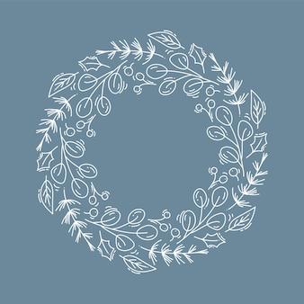 Corona de navidad con flores y ramas de cono