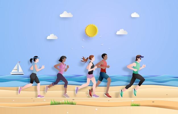 Corredor se están ejecutando en la playa.
