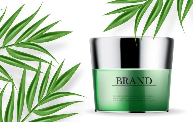 Cosmética crema verde y spray hidratante.
