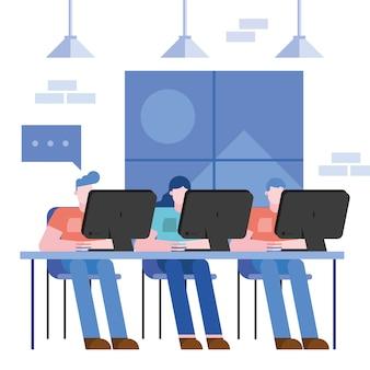 Coworking de mujeres y hombres en el escritorio en la oficina