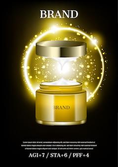 Crema cosmética abierta con pequeñas bolas de luz brillantes sobre fondo de círculo dorado