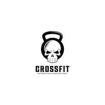 Crossfit de pesas rusas con un símbolo de calavera
