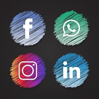Cuatro iconos abocetados, redes sociales
