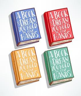 Cuatro libros dibujados a mano de diferentes colores con la cita en la portada