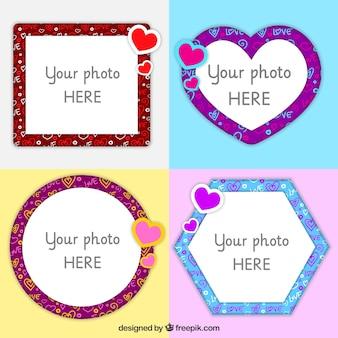 Cuatro marcos de amor con corazones