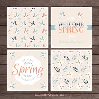 Cuatro tarjetas de primavera en estilo vintage
