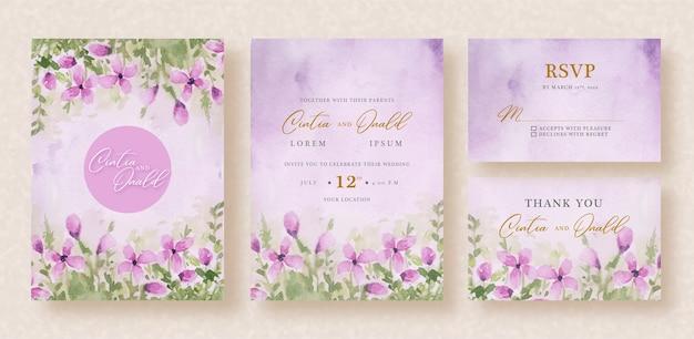 Cubo de flores púrpuras en plantilla de invitación de boda