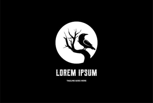 Cuervo de luna de noche oscura negra con vector de diseño de logotipo de árbol de rama seca