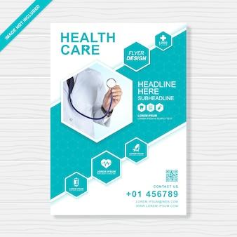 Cuidado de la salud y la cubierta médica plantilla de diseño de folleto a4