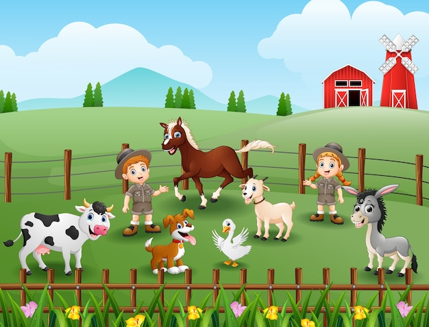Los cuidadores del zoológico mantienen a los animales en la granja