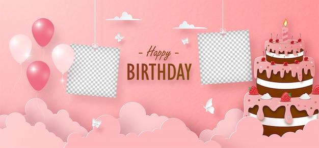 Cumpleaños de tarta de fresa y chocolate y marco de fotos en blanco