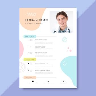Currículums médicos coloridos dibujados a mano