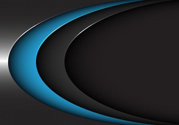 Curva del metal del negro azul en fondo oscuro de espacio en blanco.