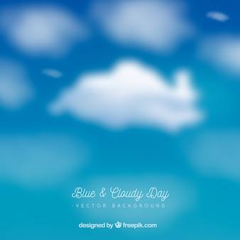 Día azul y nublado