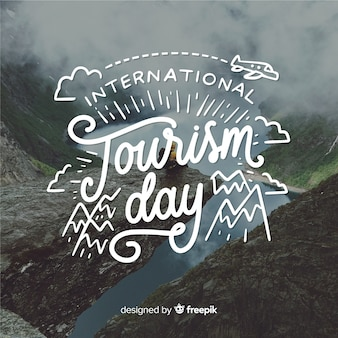 Día internacional del turismo con paisajes naturales.