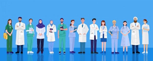 Día mundial de la salud, grupo de médicos y enfermeras de diferentes nacionalidades.