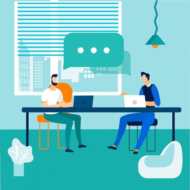 Diálogo y discusión de compañeros de trabajo