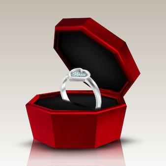 Diamante en forma de corazón en anillo