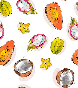 Dibujado a mano abstracto a mano alzada con textura inusual de patrones sin fisuras con exóticas frutas tropicales papaya, fruta del dragón, coco y carambola aislado sobre fondo blanco