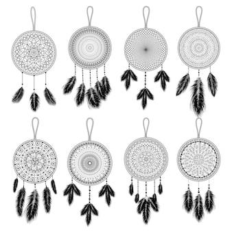 Dibujado a mano atrapasueños indio con plumas. diseño étnico, boho chic, símbolo tribal.