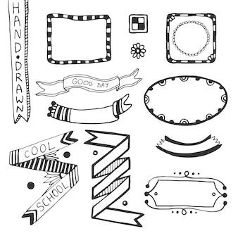 Dibujado a mano doodle elementos de diseño web. vector conjunto de marcos, cintas, insignia