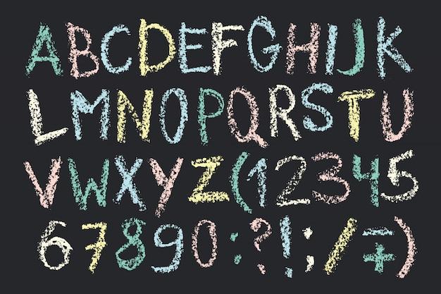 Dibujado a mano fuente de crayón de cera. alfabeto manuscrito en estilo tablero de tiza.