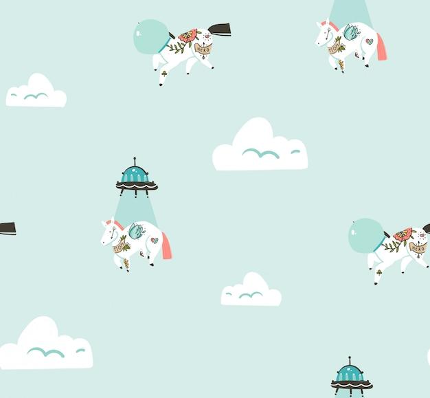 Dibujado a mano gráfico abstracto creativo de dibujos animados de patrones sin fisuras con unicornios cosmonauta y nave espacial alienígena volando en el cielo azul con nubes aisladas sobre fondo azul