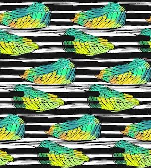 Dibujado a mano patrón abstracto con textura con hojas de palmeras verdes exóticas tropicales