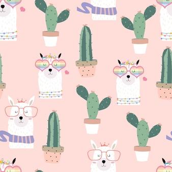 Dibujado a mano rosa lindo patrón transparente con llama, gafas de corazón, cactus en verano