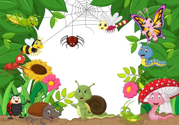 Dibujos animados de pequeños animales felices