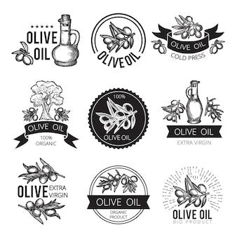 Diferentes etiquetas monocromáticas de productos e ingredientes de oliva. imágenes vectoriales para diseño de paquete con lugar para su texto.