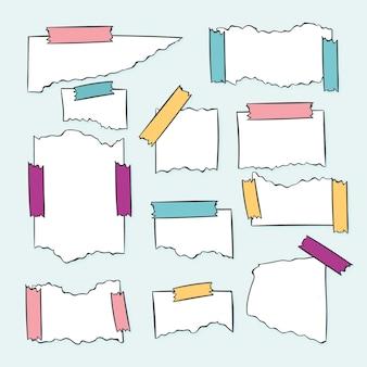 Diferentes papeles rasgados con cinta.