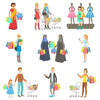 Diferentes personas en el centro comercial