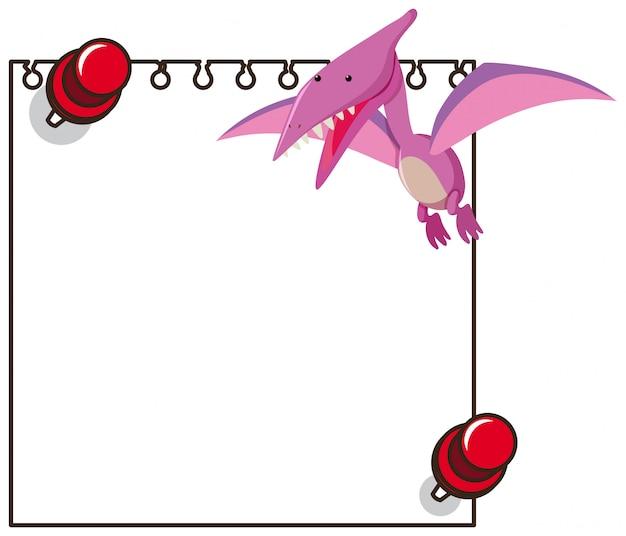 Dinosaurio rosado en el cuaderno en blanco