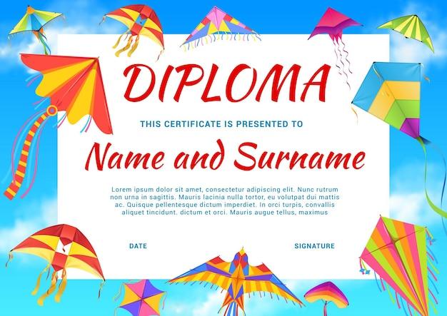 Diploma de jardín de infantes, certificado escolar con cometas de colores.