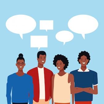 Discurso de burbujas en la parte superior de dibujos animados afro amigos de pie
