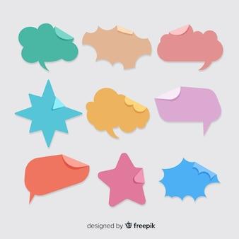 Discurso colorido diseño plano burbujas en papel estilo