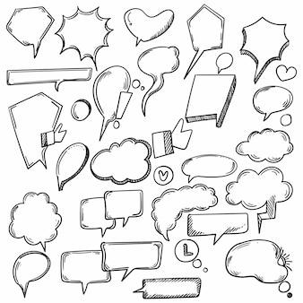Diseño de boceto de burbujas de discurso cómico dibujado a mano
