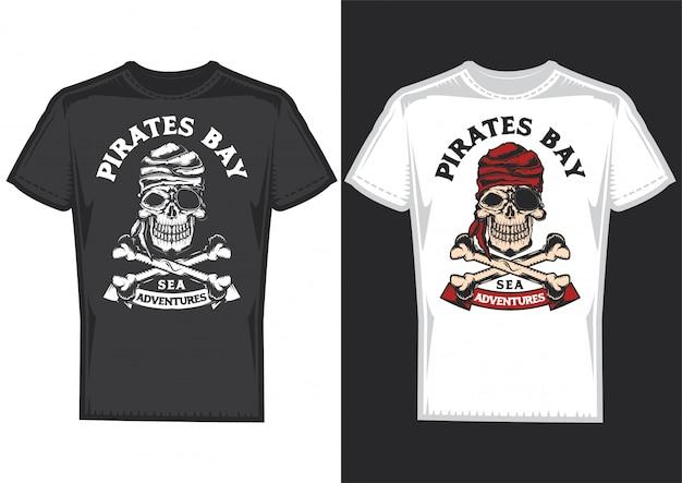 Diseño de camiseta en 2 camisetas con carteles de piratas con huesos.