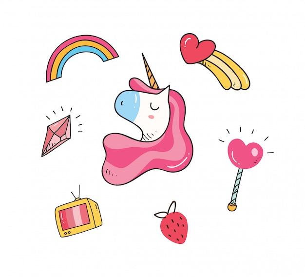 Diseño de camiseta bebé con parches de unicornio.