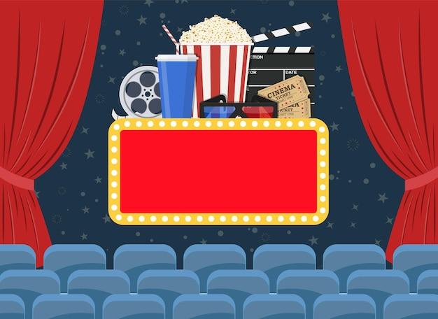 Diseño de cartel de estreno de película con cortinas de cine, asientos y letrero.