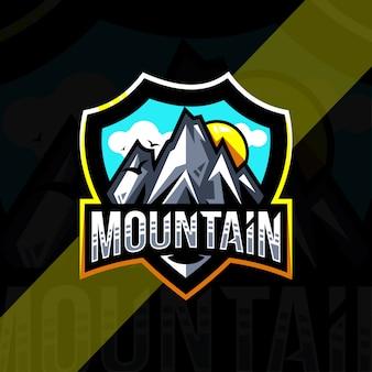 Diseño deportivo del logotipo de la mascota de montaña