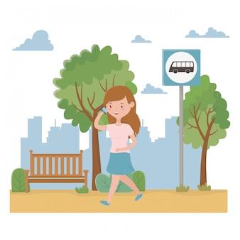 Diseño de dibujos animados y parada de autobús de mujer