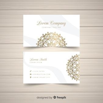 Diseño elegante de tarjeta de visita de mandala